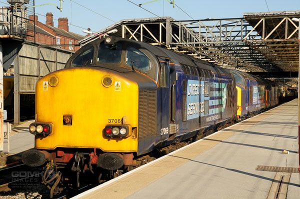 3 DRS Class 37 Locos at Crewe railway station