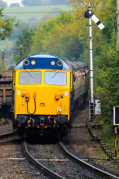 Class 50 Loco 50035 Ark Royal approaching Highley station on the Severn Valley Railway
