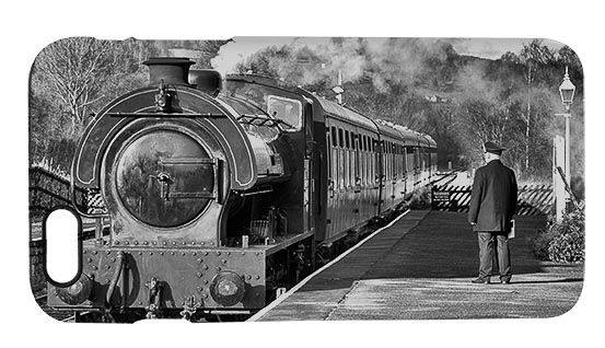 Steam Train at Darley Dale iPhone 6 Mobile Phone Case