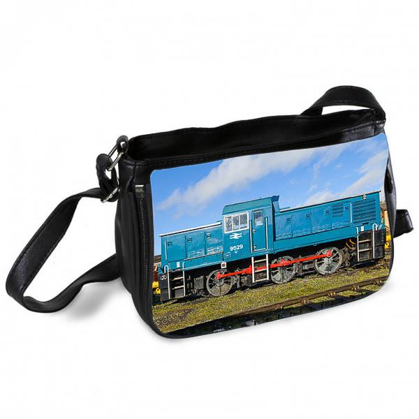 Class 14 D9529 Messenger Bag