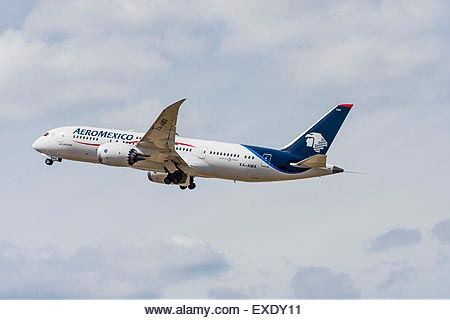 Side view of an Aeromexico Boeing 787 Dreamliner aeroplane taking off