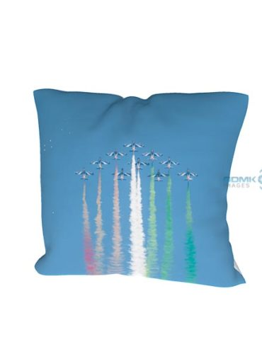Frecce Tricolori flying in formation cushion